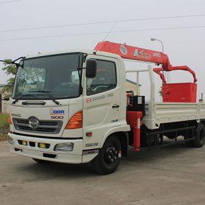 Xe tải Hino FG gắn cẩu Unic 3 tấn UR-V340