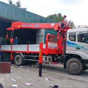 Xe tải Dongfeng Trường Giang gắn cẩu Kanglim 7 Tấn
