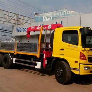 Xe tải Hino FL gắn cẩu Unic 3 tấn