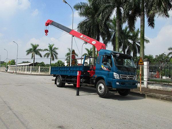 Xe tải Thaco Ollin 950A gắn cẩu Unic 5 tấn
