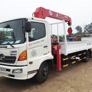 Xe tải Hino FC gắn Cẩu Unic 5 tấn UR-V554