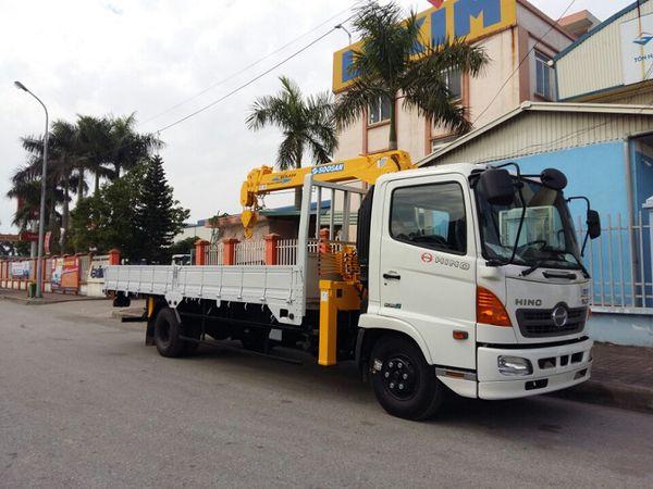 HINO FC gắn Cẩu Soosan 3 tấn