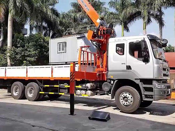 Xe tải CHENLONG 3 chân gắn Cẩu Kanglim 7 tấn