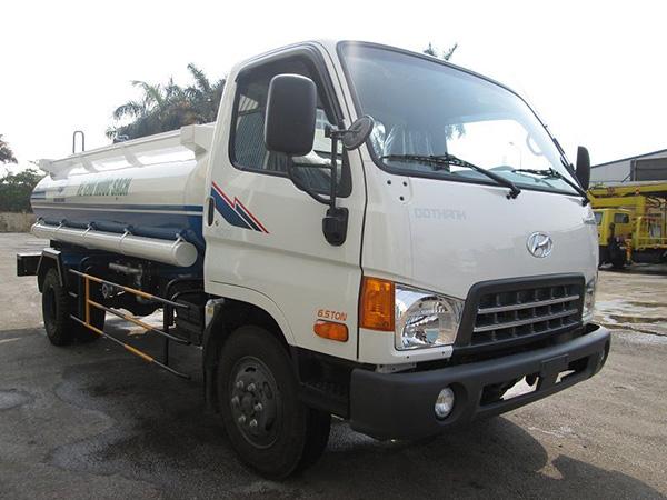 xe tưới nước hyundai HD99
