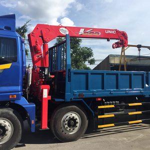 Xe tải Thaco Auman C300B gắn cẩu Unic 5 tấn